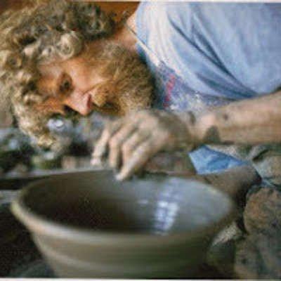 Tour à pied, poterie grès